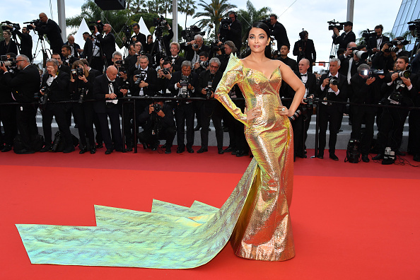 "Aishwarya Rai「""A Hidden Life (Une Vie Cachée)"" Red Carpet - The 72nd Annual Cannes Film Festival」:写真・画像(2)[壁紙.com]"