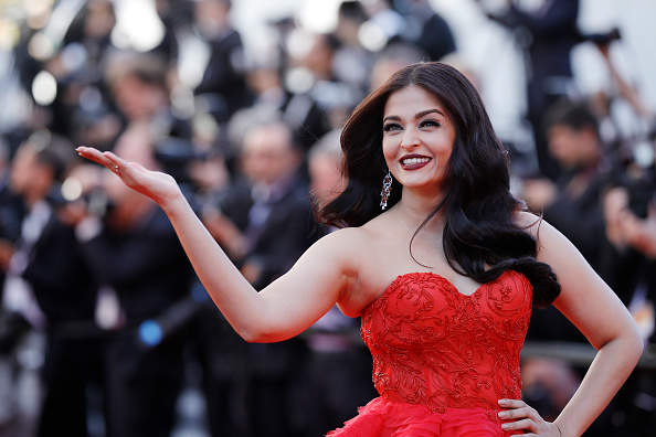 "Aishwarya Rai「""120 Beats Per Minute (120 Battements Par Minute)"" Red Carpet Arrivals - The 70th Annual Cannes Film Festival」:写真・画像(0)[壁紙.com]"