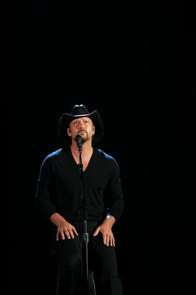 MGM Grand Garden Arena「42nd Annual Academy Of Country Music Awards - Show」:写真・画像(10)[壁紙.com]