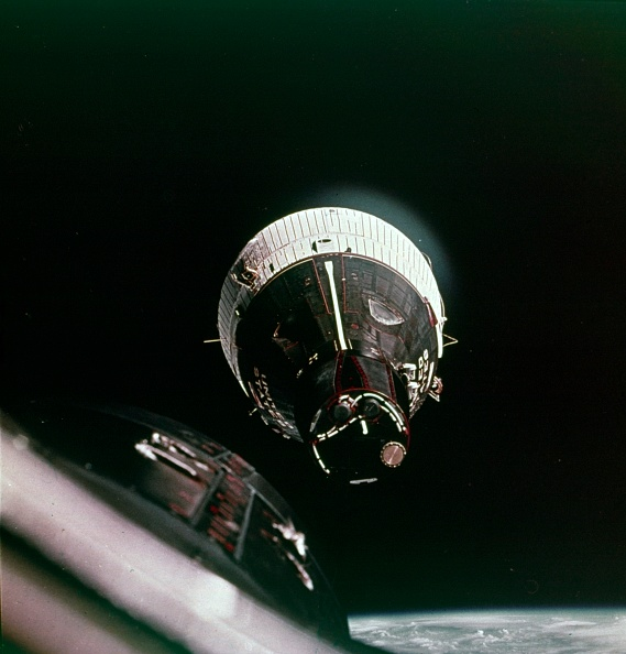 First Occurrence「First Rendezvous In Space」:写真・画像(1)[壁紙.com]