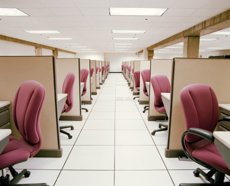 Office Cubicle「Hallway between rows of empty cubicles」:スマホ壁紙(10)