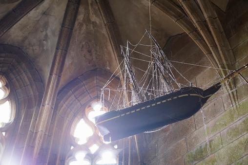 Abbey - Monastery「hanging ship inside the Mont Saint-Michel Abbey」:スマホ壁紙(5)
