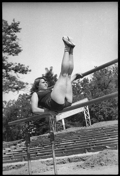 Max Penson「Gymnast Girl」:写真・画像(15)[壁紙.com]