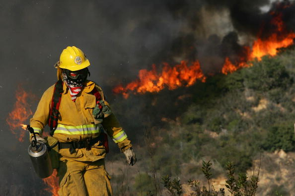 Blow Torch「Wildfire Spreads In Southern California」:写真・画像(13)[壁紙.com]
