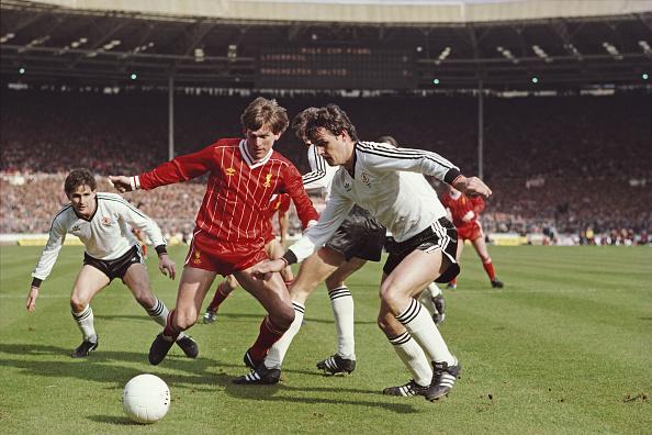 Club Soccer「Liverpool v Manchester United Milk Cup Final 1983」:写真・画像(9)[壁紙.com]
