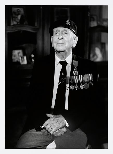 Christopher Furlong「Portraits Of British D-Day Veterans:  Matthew Toner」:写真・画像(4)[壁紙.com]