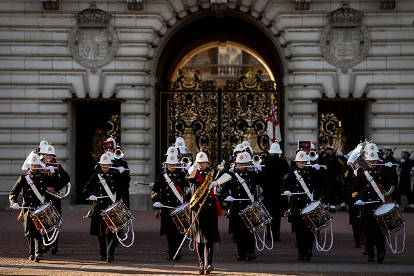 British Military「Sailors From The Royal Navy Perform The Changing The Guard Ceremony For The First Time」:写真・画像(6)[壁紙.com]