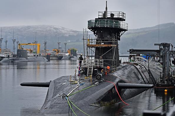 警戒「Life Onboard A Trident Nuclear Submarine」:写真・画像(1)[壁紙.com]