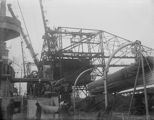 Passenger Craft「HMS Dido Refuelling At Portland」:写真・画像(12)[壁紙.com]