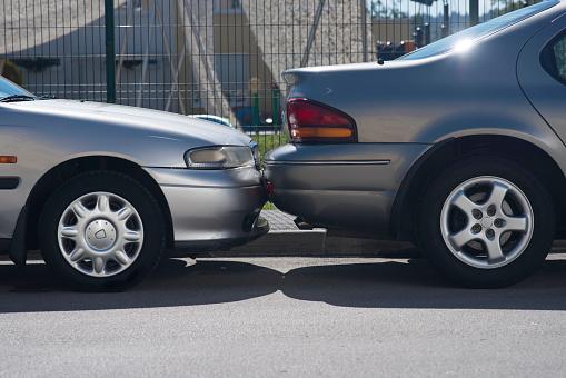 Misfortune「Hitting A Parked Car」:スマホ壁紙(15)