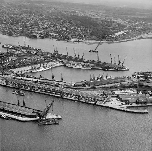 Passenger Craft「Empress And Ocean Docks」:写真・画像(5)[壁紙.com]
