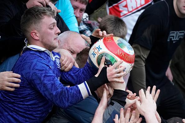 ゲーム「The 16-Hour Royal Shrovetide Football Match takes Place In Asbourne」:写真・画像(13)[壁紙.com]