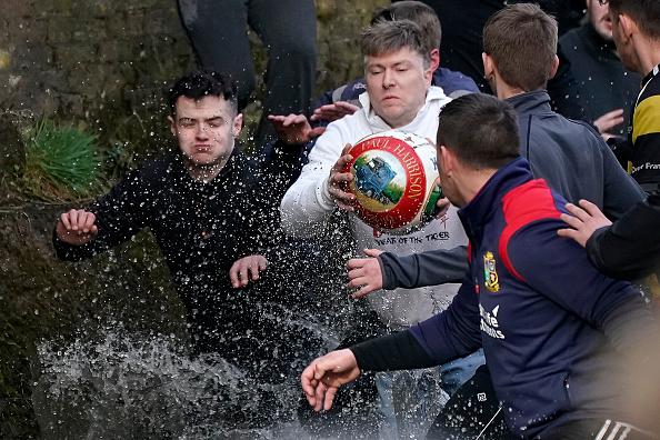 ゲーム「The 16-Hour Royal Shrovetide Football Match takes Place In Asbourne」:写真・画像(17)[壁紙.com]
