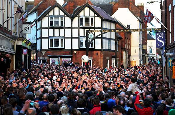 Tradition「Annual Shrovetide Football Match Takes Place In Ashbourne」:写真・画像(15)[壁紙.com]