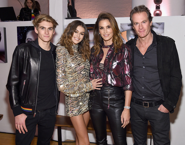 Cindy Crawford「Marc Jacobs Beauty Celebrates Kaia Gerber」:写真・画像(12)[壁紙.com]
