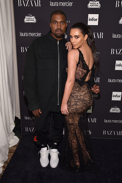 "Kim Kardashian「Harper's Bazaar Celebrates ""ICONS By Carine Roitfeld"" Presented By Infor, Laura Mercier, And Stella Artois - Inside」:写真・画像(1)[壁紙.com]"