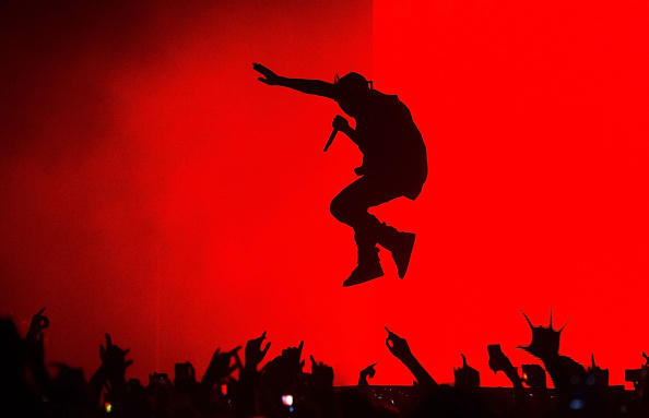 Microphone「Kanye West - The Yeezus Tour SYDNEY」:写真・画像(6)[壁紙.com]