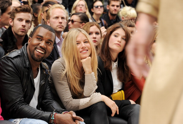 Kensington Gardens「Burberry Spring Summer 2012 Womenswear Show - Front Row And Backstage」:写真・画像(10)[壁紙.com]