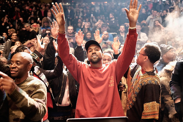 Arms Raised「Kanye West Yeezy Season 3 - Runway」:写真・画像(6)[壁紙.com]