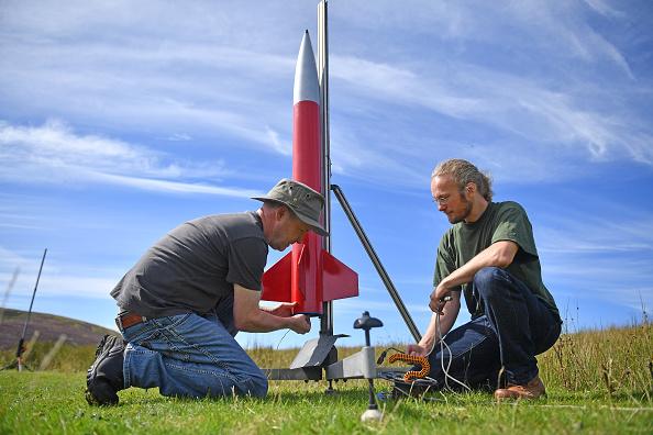 科学技術「Enthusiasts Celebrate International Rocket Week」:写真・画像(10)[壁紙.com]