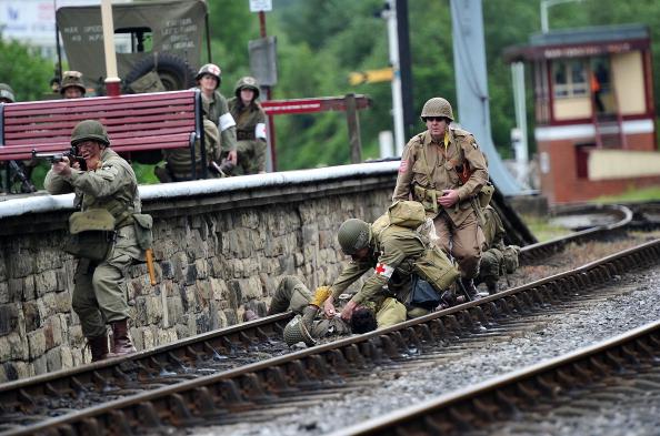 Recreational Pursuit「Enthusiasts Take Part In East Lancashire Railway's 1940s Re-enactment Weekend」:写真・画像(15)[壁紙.com]