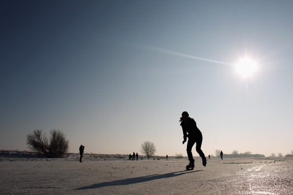 Recreational Pursuit「Enthusiasts Attempt To Skate On The Frozen Fens」:写真・画像(8)[壁紙.com]
