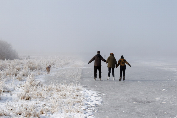 Recreational Pursuit「Enthusiasts Attempt To Skate On The Frozen Fens」:写真・画像(7)[壁紙.com]