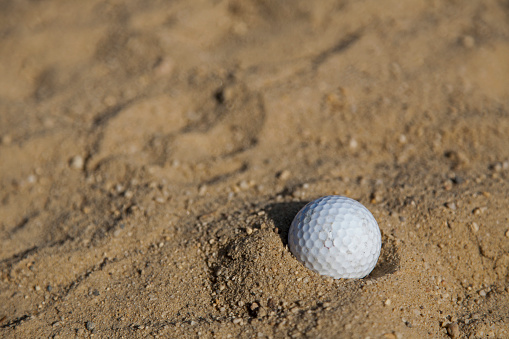Sand Trap「Golf ball in sand, close-up」:スマホ壁紙(13)