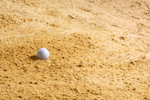 Off Target「Golf ball in sand trap, close-up」:スマホ壁紙(12)