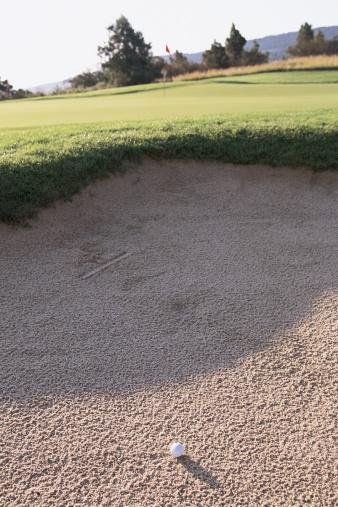 Sand Trap「Golf ball in sand pit」:スマホ壁紙(13)
