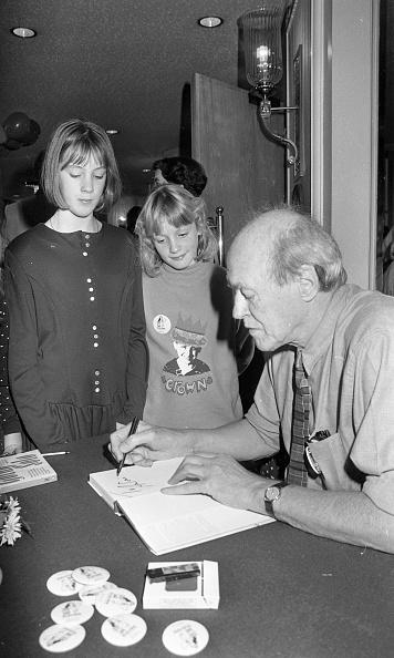 City Life「Roald Dahl at the Westbury Hotel 1988」:写真・画像(16)[壁紙.com]