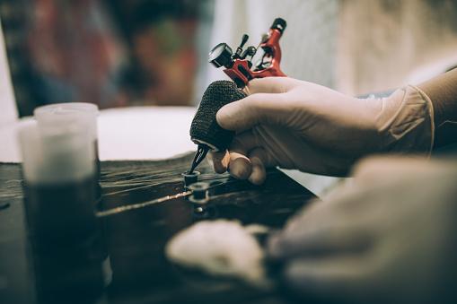 Workshop「Tattoo gun working」:スマホ壁紙(17)