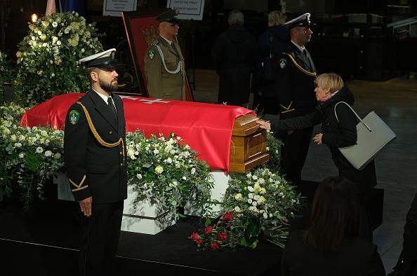 T 「Gdansk Mourns Murdered Mayor Pawel Adamowicz」:写真・画像(14)[壁紙.com]