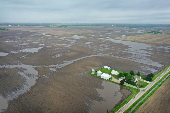 Illinois「Midwest Flooding Threatens Planting Season For Many Farmers」:写真・画像(10)[壁紙.com]