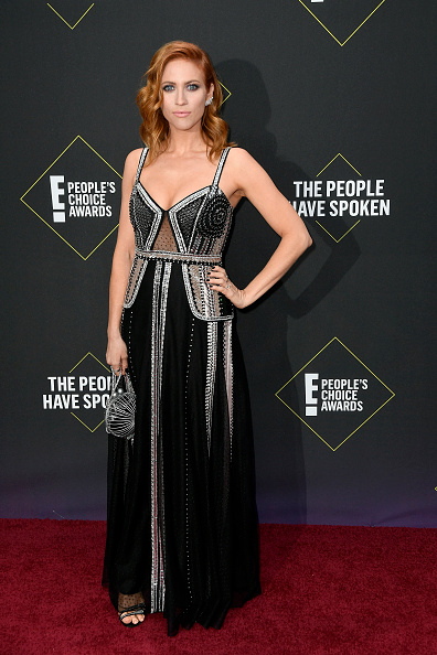 Scooped Neck「2019 E! People's Choice Awards - Arrivals」:写真・画像(10)[壁紙.com]