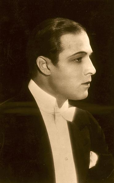 Profile View「Rudolph Valentino」:写真・画像(10)[壁紙.com]