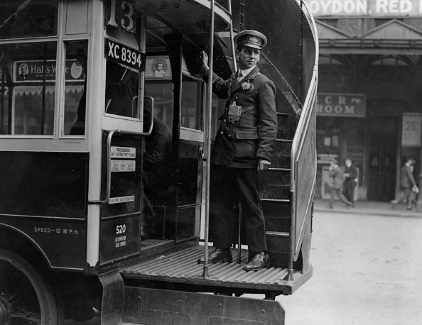 Bus「Bus Conductor」:写真・画像(1)[壁紙.com]
