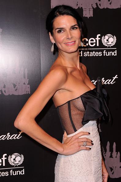 Angie Harmon「The Ninth Annual UNICEF Snowflake Ball - Arrivals」:写真・画像(11)[壁紙.com]