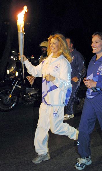 Relay「Celebs Carry Olympic Flame」:写真・画像(19)[壁紙.com]