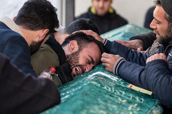 Bestof「At Least 22 Dead After Earthquake In Eastern Turkey」:写真・画像(9)[壁紙.com]