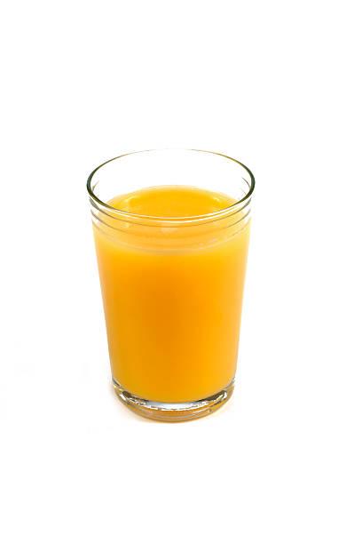Single glass full of orange juice against white background.:スマホ壁紙(壁紙.com)
