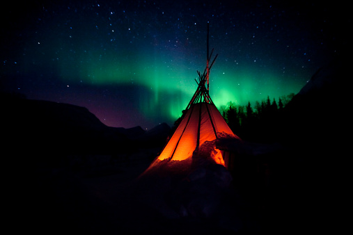 Tent「The Northern Lights Aurora」:スマホ壁紙(12)