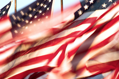 Patriotism「Still shot of American flags whipping in the wind」:スマホ壁紙(2)