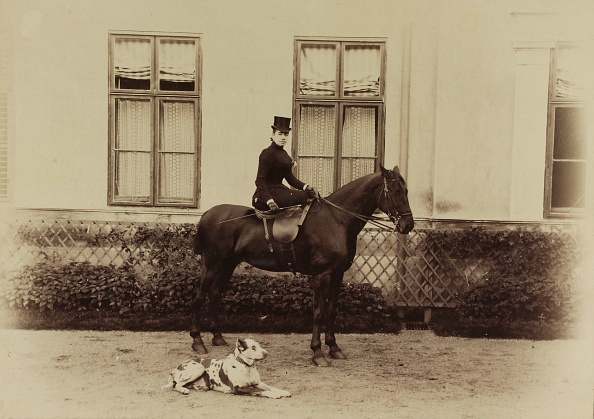 Riding「Emma Schlumberger At A Horse Called Flock In The Park Of The Marienvilla In Bad Vöslau. Lower Austria.  About 1890. Photograph By Helios. Vöslau.」:写真・画像(19)[壁紙.com]