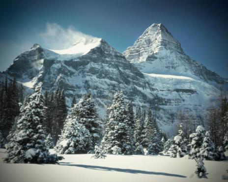 Mt Assiniboine「Mount Assiniboine in winter」:スマホ壁紙(7)