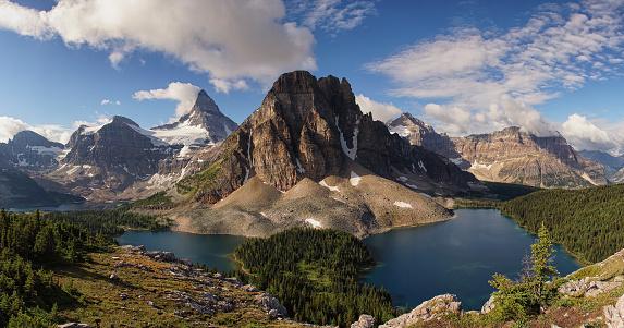 Mt Assiniboine Provincial Park「Mount Assiniboine and Sunburst Peak」:スマホ壁紙(8)