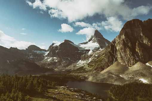 Mt Assiniboine「アシニボイン山とサンバーストのピーク」:スマホ壁紙(5)