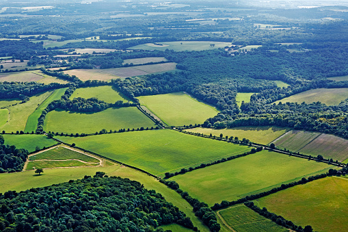 Chiltern Hills「Aerial view of countryside in Chiltern Hills」:スマホ壁紙(11)