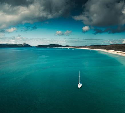 ビーチ「オーストラリア、クイーンズランド州のウィット サンデー島の航空写真」:スマホ壁紙(12)