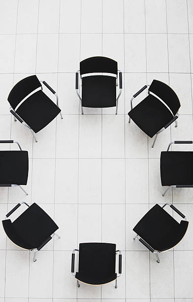 Aerial view of empty chairs in a circle:スマホ壁紙(壁紙.com)